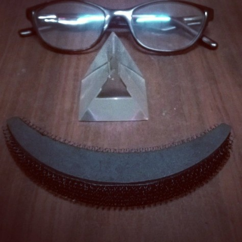 #fmsphotoaday #fmsphotoadaymay #fms_triangle #prism #humanface Todays pic prompt is TRIANGLE and i managed to make a human face of it just for a little bit more fun.