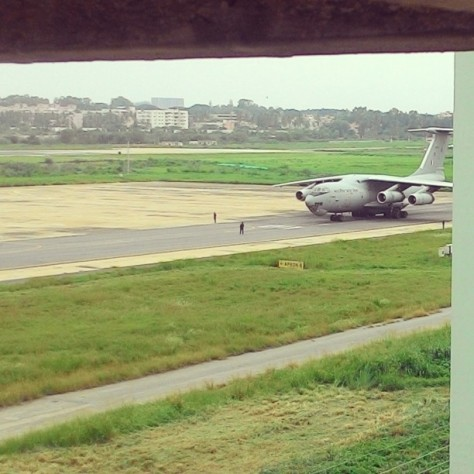 #fmsphotoaday #fmsphotoadaymay #fms_whatisawtoday #viewfrombalcony #boeing #military aircraft Pic prompt: WHAT I SAW TODAY well for me this is a daily view from the balcony as i stay right opposite to the old Bangalore airport runway. Its a high to see these heavy machines take off daily right in front of your eyes